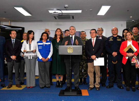 Al término de la reunión del Puesto de Mando Unificado (PMU), el Presidente Iván Duque anunció la declaratoria de la emergencia sanitaria, que permite poner en marcha nuevas medidas orientadas a la contención del coronavirus en el país.