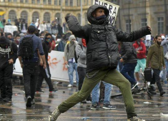 Las-protestas-contra-Duque-en-Colombia-dejan-al-menos-tres-muertos