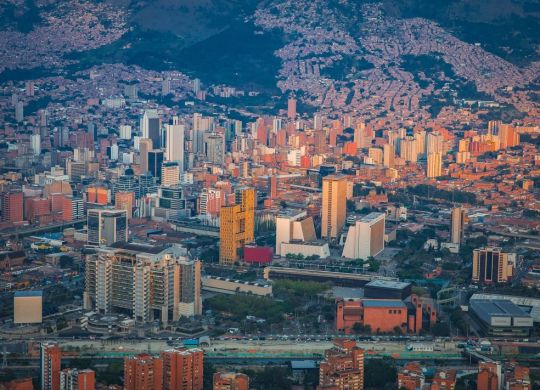 Panoramica-de-Medellin-copia-1068x711
